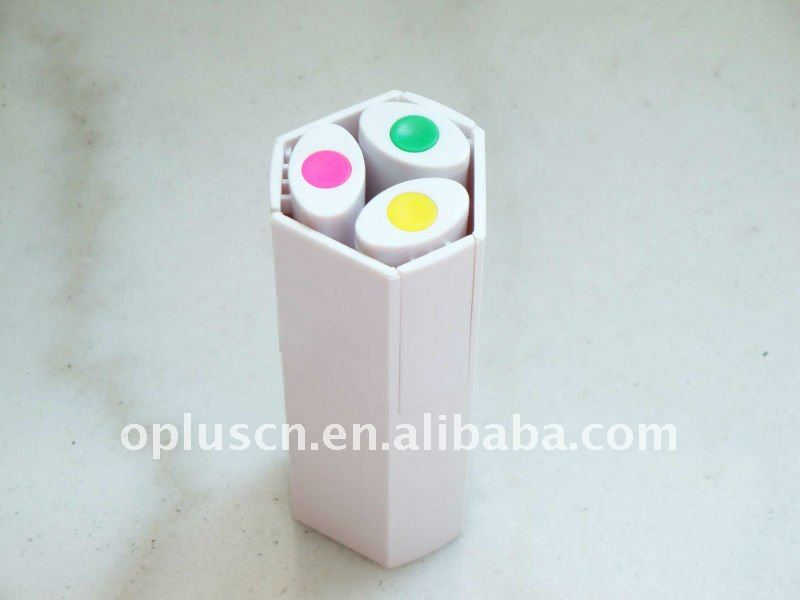 3 COLOR HIGHLIGHTERS W/HOLDER
