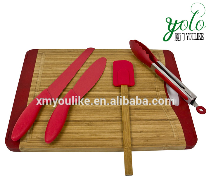 Bamboo Cutting Board with Non-stick Bread & Sandwich Knives
