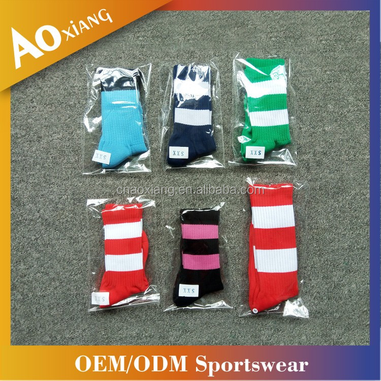 China Cheap Breathable Christmas Stripe Socks Soft Knitted Cozy Socks