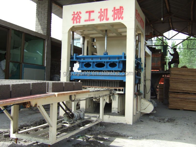 Yugong best selling products QT series brickyard cement brick making machine
