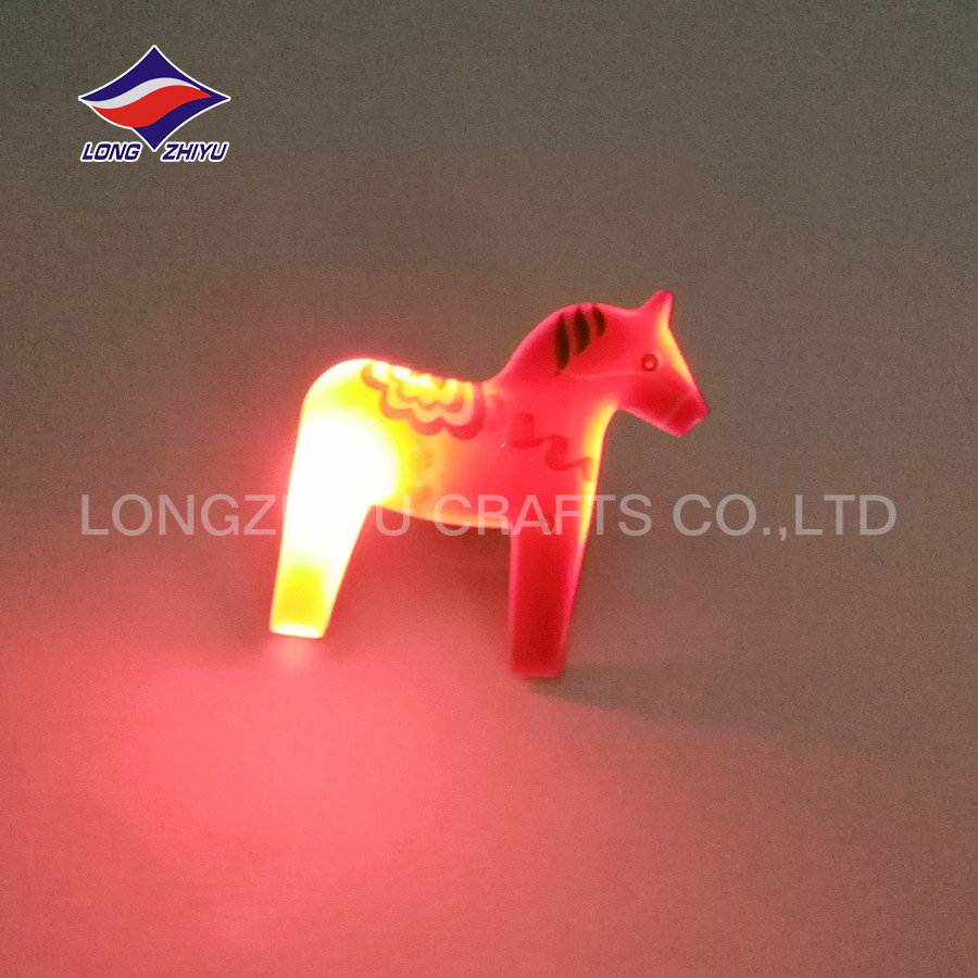 Shine horse butt yellow light led lapel badge
