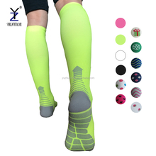Custom men performance running training recovery graduated compression sport socks knee high 20-30mmhg