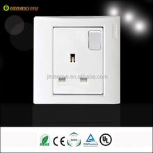 UK type 13a 1 gang switched socket in new design (LYS1-1(B))