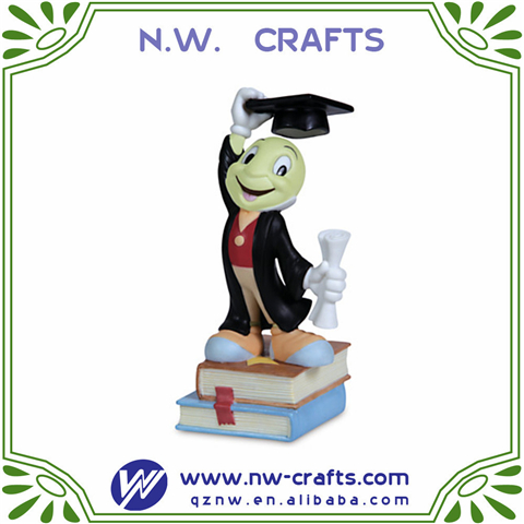 High quality graduation souvenir gift lovely cartoon figurine for student