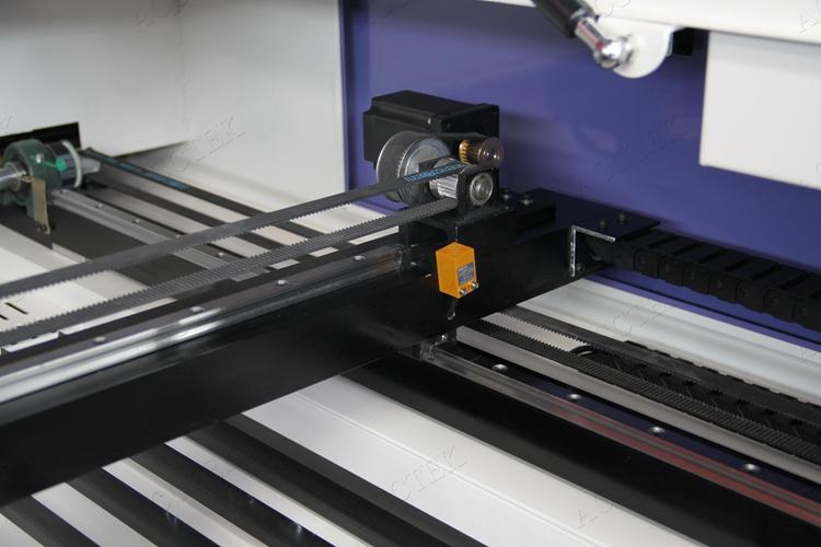 laser machine01.jpg