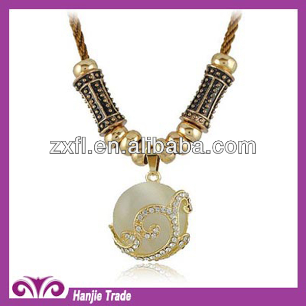 Wholesale Fashion faux pearl necklace with Rhinestone