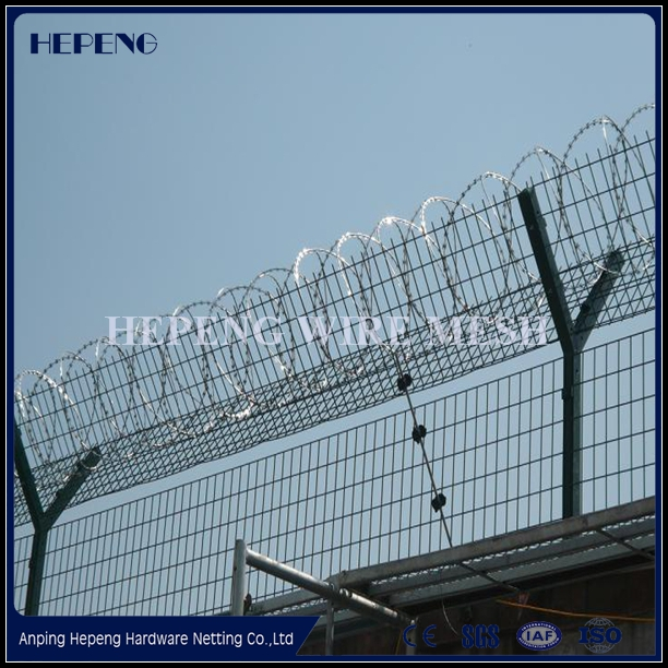 High safety Low Price razor barded wire / Hebei manufacturer BTO-22 Razor barbed wire /galvanized & PVC