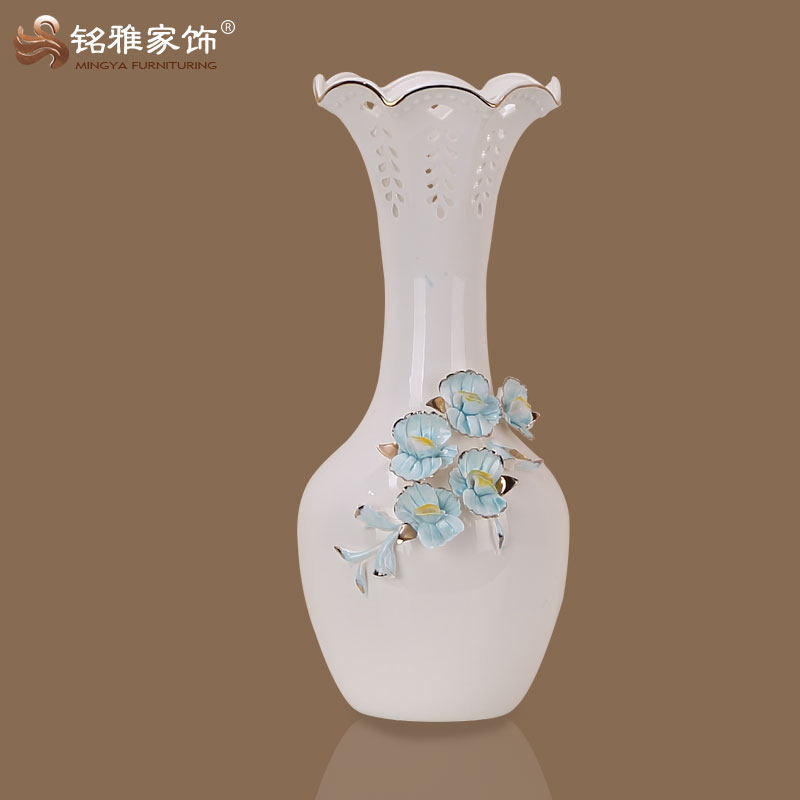 Chinese Antique Ceramic Material Long Neck Vases For Hotel Table