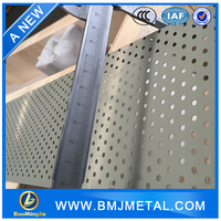 Round Slotted Plum blossom Hexagonal Pattern Decorative Perforated Metal Sheet