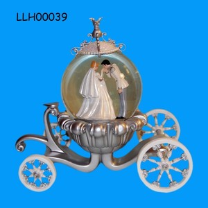 Popular Wedding Favor Crystal Water Globe