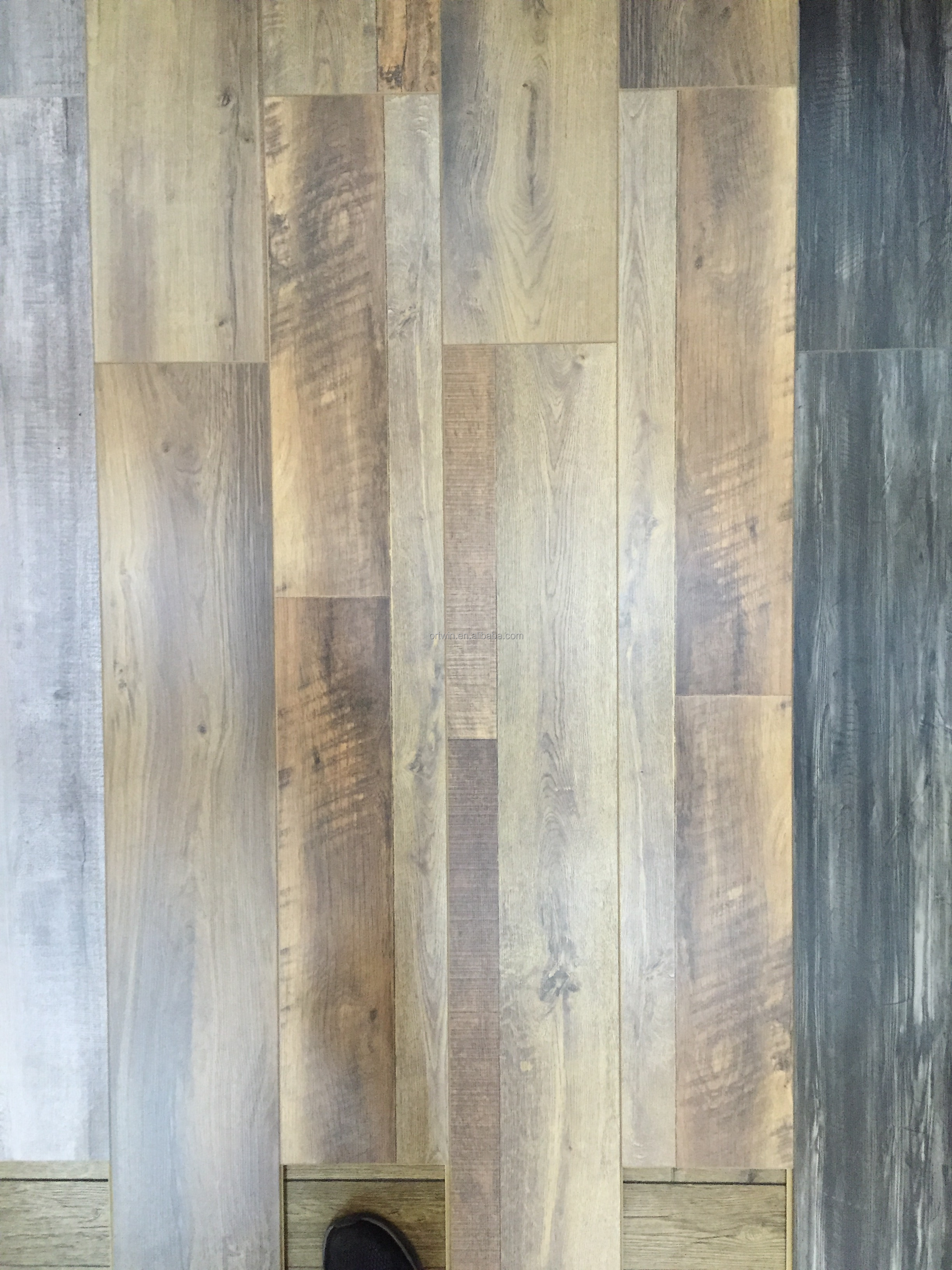 Different Models of flooring wood laminate With Stable Function