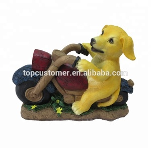 handmade polyresin decoration Cute dog light polyresin decoration LED solar lamp