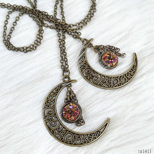 Factory direct artificial fake druzy necklace crescent pendant jewelry