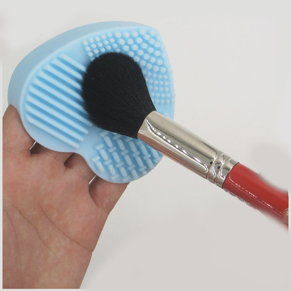 Mini Heart Shaped Cosmetic Brush Cleaning Tool ,Silicone Makeup Brush Cleaner
