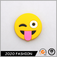 Top selling silicon smilling emoji round magnetic brooch for party girl's kid's brooch pin