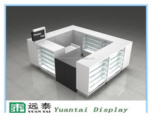 Mobile accessories display showcase and display cabinet for detail store