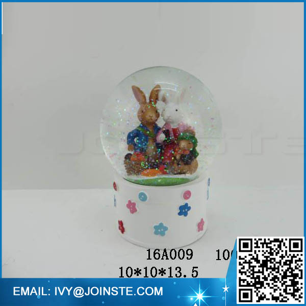Easter rabbit resin based water globe snow globe groothandel
