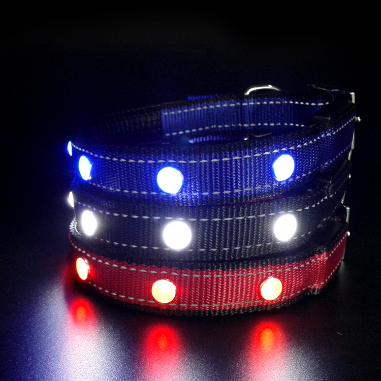 Tize Pet Suppliers High Quality Jewel Flashing Pet Collars with 2 reflective stripes Light Up Dog Collar