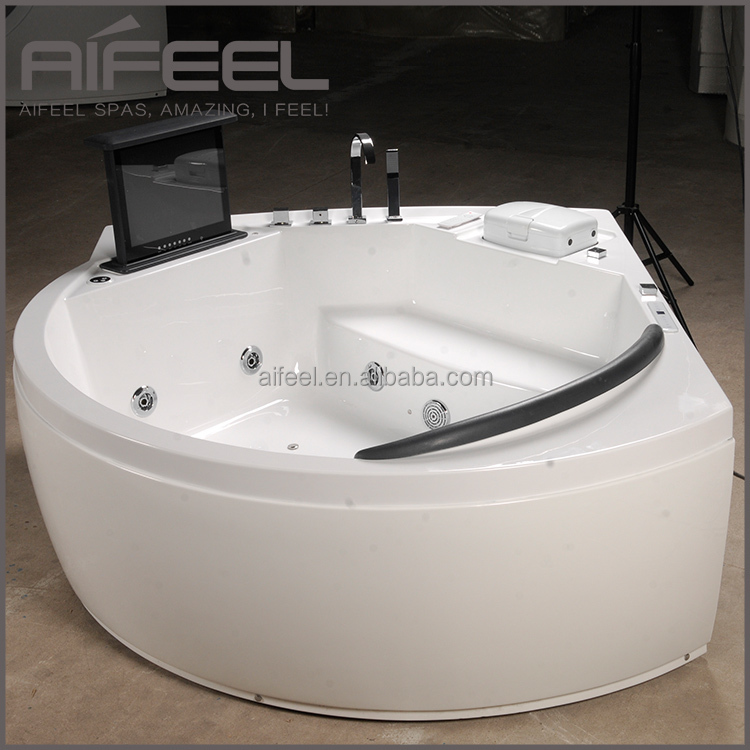 Freestanding Acrylic Whirlpool Massage Bathtub Indoor