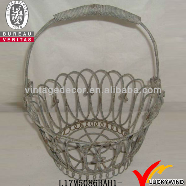 Functional durable vintage country style metal garden baskets for sale in Gifts & Crafts