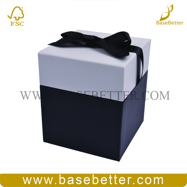 Custom Decorative Square White Candle Gift Box Packaging With Ribbon Closures