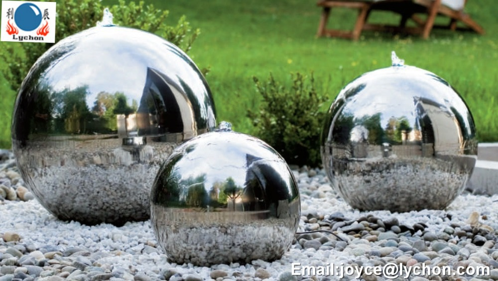 Metal outdoor christmas decorations for Big christmas decorations outdoor