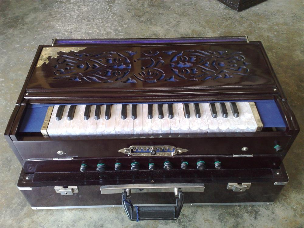 SCALE CHANGING HARMONIUM, View HARMONIUM, SCALE CHANGING HARMONIUM Product  Details from Calcutta Musical Depot on Alibaba com