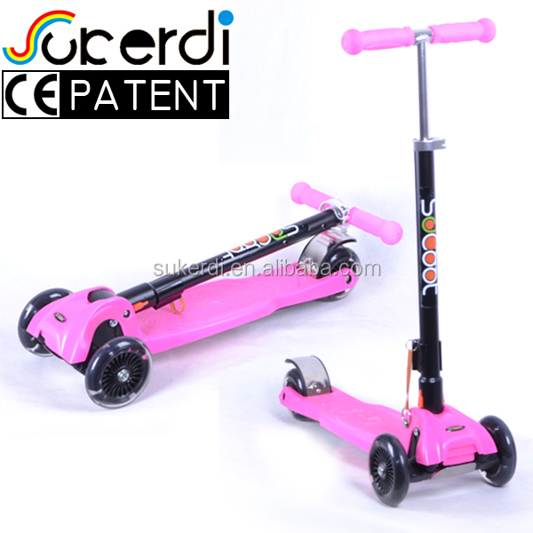 Child age black foldable kick scooter TPR handlebar foot pedal rider scooter CE approved euro 4 scooter