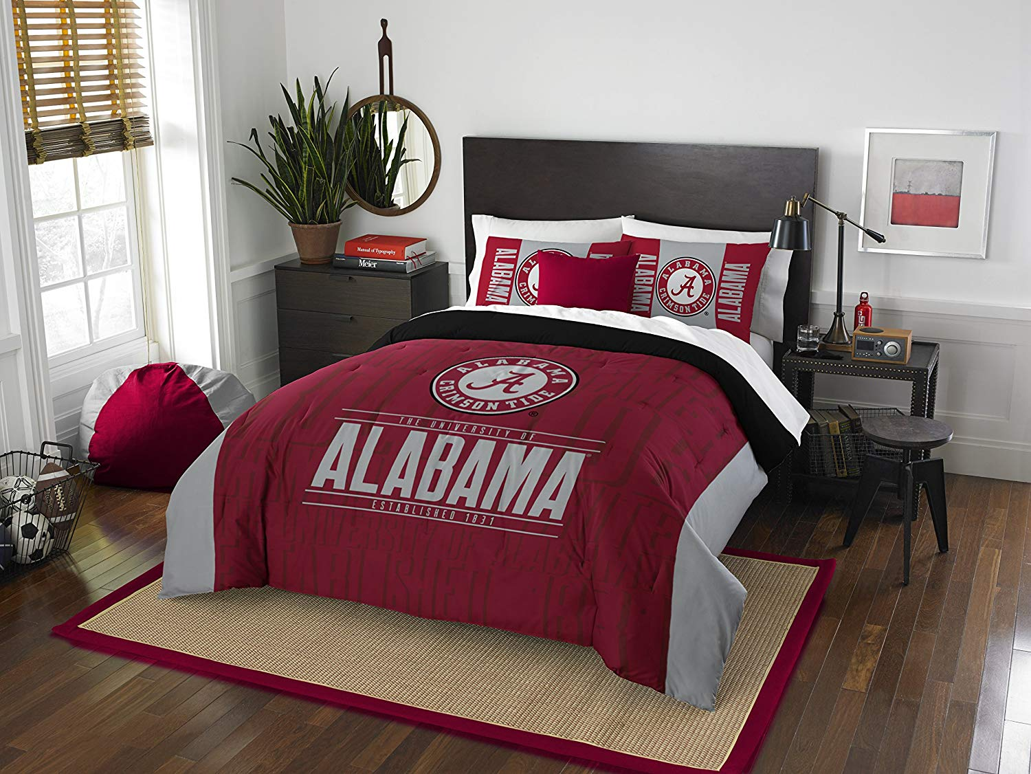 Alabama Crimson Tide 7 PC FULL SIZE Printed Comforter Bedding Set & w/ NEW Team Anthem Colored Sheets: (1 Full Size Comforter, 1 Flat Sheet, 1 Fitted Sheet, 2 Pillow Cases, 2 Pillow Shams)