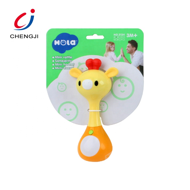 Amazon hot sell baby belling musical plastic colourful hand rattle
