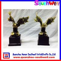 custom polyresin eagle animal figurines