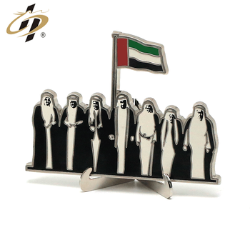 2019 Wholesale custom gold silver UAE people souvenir plates for national day