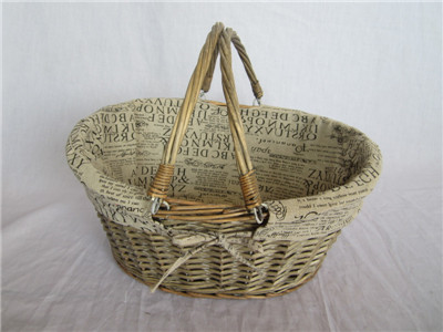 oval willow basket with handle with liner