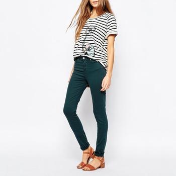 MäDchen In Engen Jeans