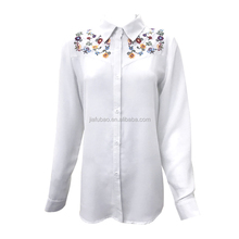 Item FB0248 Kantoor Uniform Ontwerpen Chinese Type Dames Wit Meisjes Hals Kraag Blouse Voor Office Lady Wear