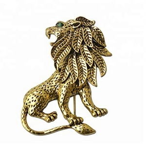 Custom fashion business men antique gold metal 3D lion suit pin