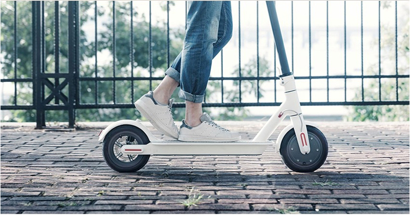 Outdoor sports 2017 original Xiaomi M365 foldable electric scooter bike smart self balancing scooter