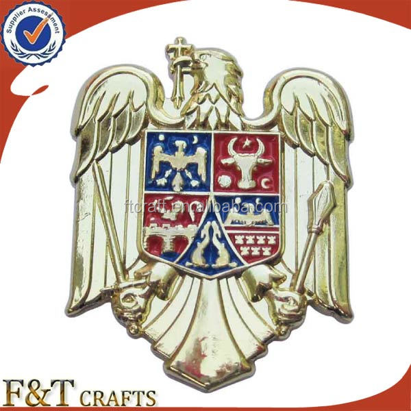 Custom cheap 3D zinc alloy metal soft enamel color paint gold eagle pin badge with butterfly clutch