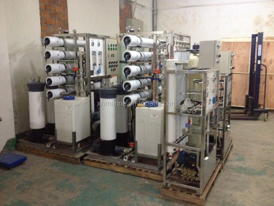 Seawater desalination water treatment plant with RO system