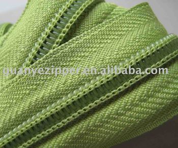 #7 nylon ZIPPER (polyester chain)