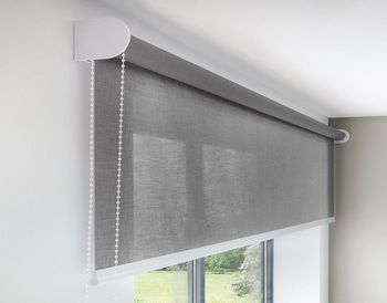 2019 HDPE Family Window Roller Blind Roll-up Blind in Public