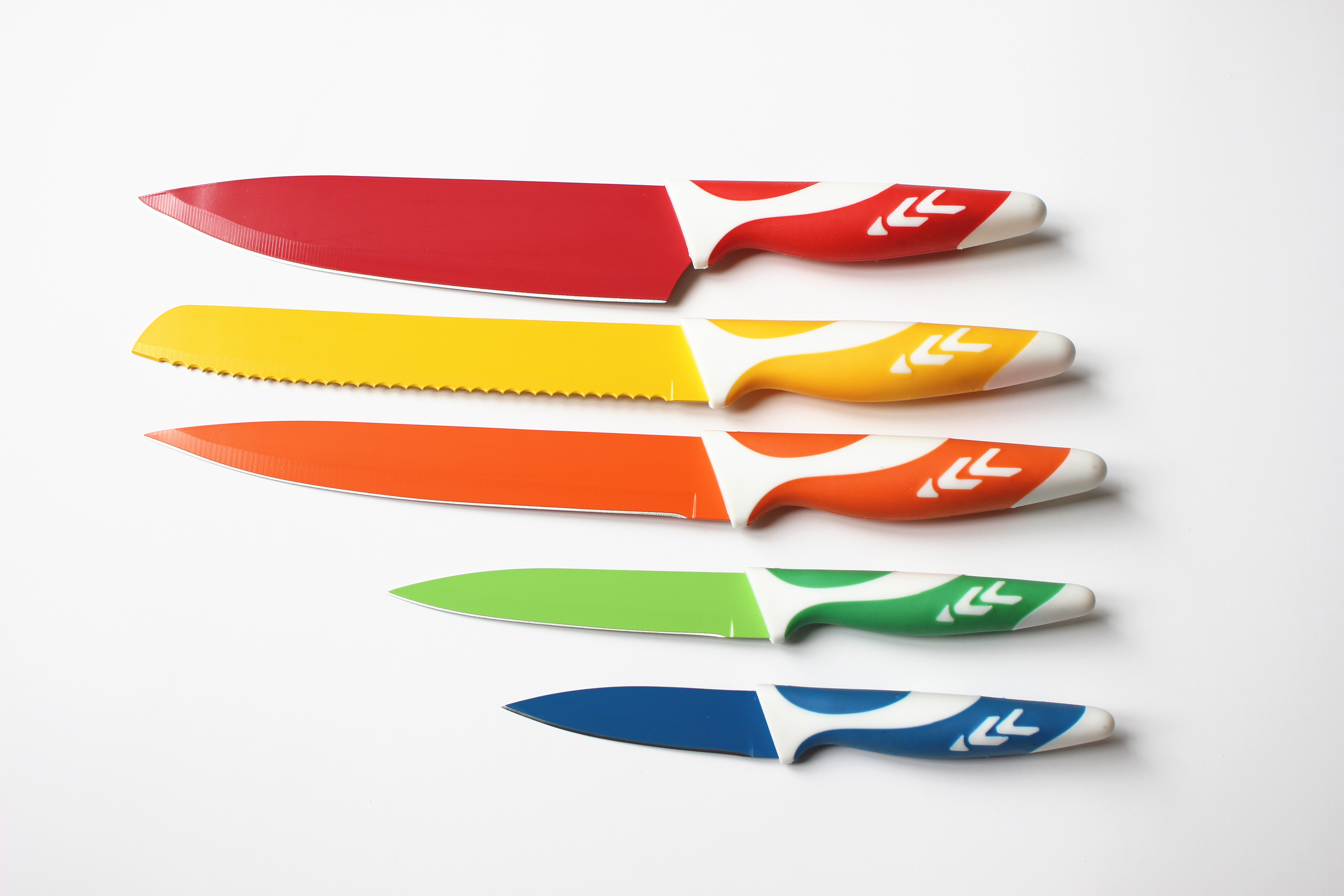 1.2-1.5mm China Made 5pcs non stick coating knives with PP&TPR handle