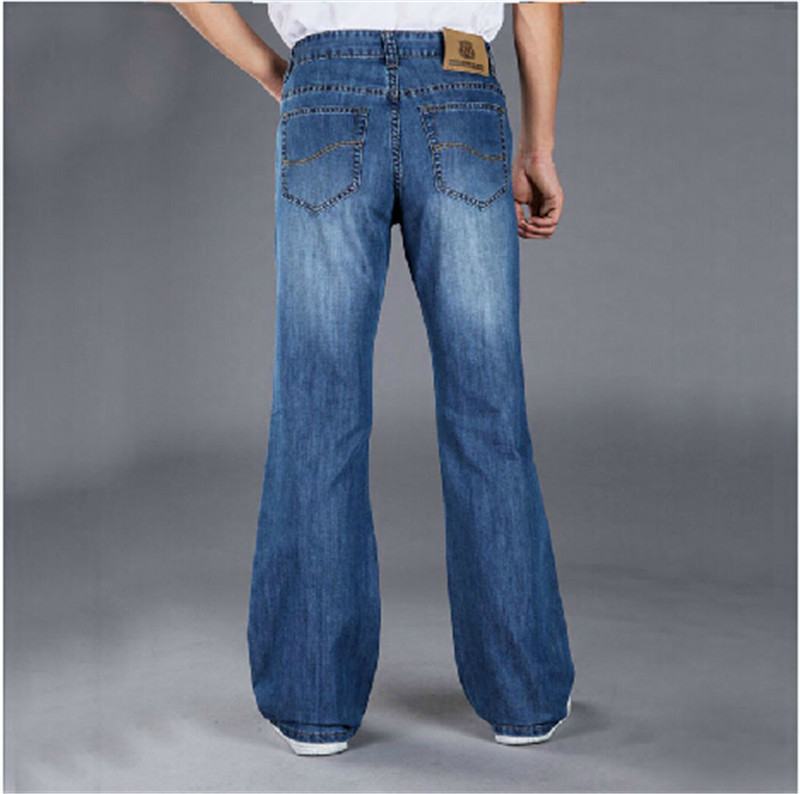 Unsurprisingly, boot cut jeans look fantastic when worn with boots. Thanks to their shape, which flares out slightly from the knee to the ankle, boot cut jeans sit perfectly over a pair of boots. Thanks to their shape, which flares out slightly from the knee to the ankle, boot cut jeans .
