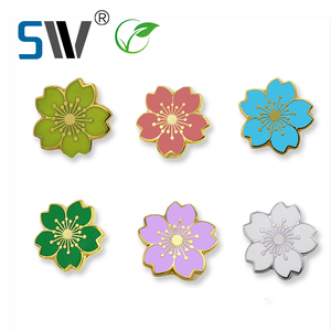 Factory bulk sale custom metal soft enamel flower lapel pin