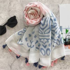 YiWu hot selling Tassel Side Scarf Style muslim women Shawl Scarf Wide Cotton scarfs wraps