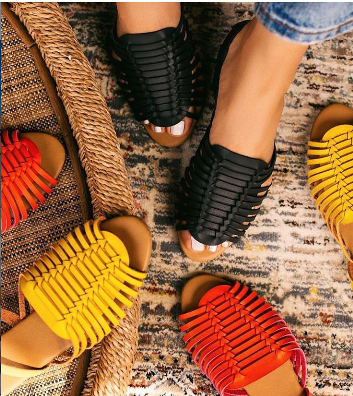 <strong>Sandals</strong> female 2019 new European and American flat hand-woven ladies slippers and <strong>sandals</strong>