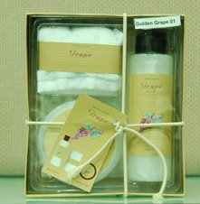 Golden grape bathing gift set