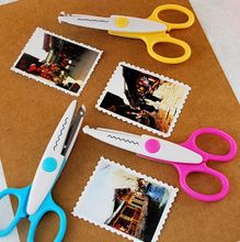 Metal and Plastic DIY Scrapbooking Photo Scissors Paper Lace Diary Decoration Wave Lace Edge Craft Scissors Lace scissors Z451