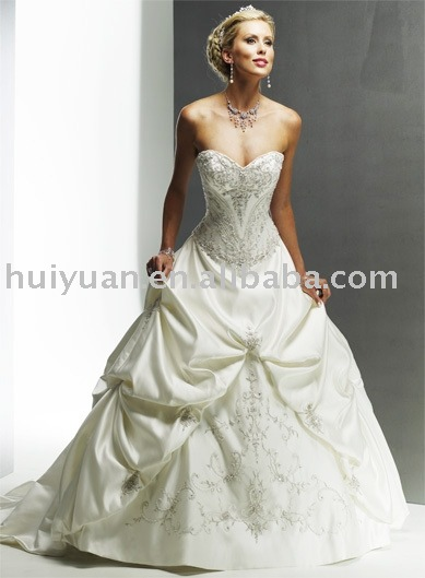 2011 Ivory without sleeve ball gown 5861