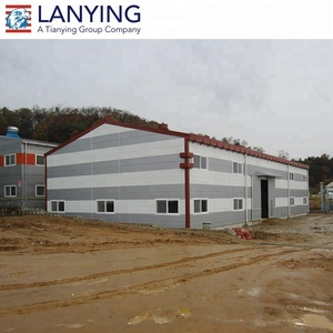 Professional quality inspector to ensure the steel structure garage